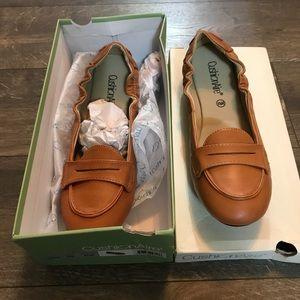Cushionaire Oenny Loafers SZ 8 1/2 NWT